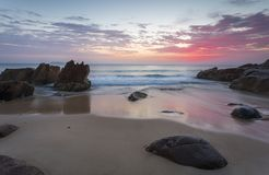 Bella alba dal porto Stephens della spiaggia Fotografie Stock