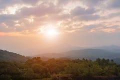Bella alba del paesaggio nella mattina all'alta montagna Chiang Mai Tailandia Fotografia Stock Libera da Diritti