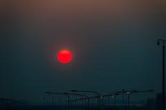 Bella alba del tuorlo d'uovo della natura con l'ambiente colourful del cielo Fotografie Stock Libere da Diritti