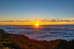 Bella alba di mattina a Doi Luang Chiang Dao immagine stock