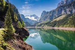 Bella alba nel lago della montagna in Gosau, alpi, Austria, Europa Fotografia Stock Libera da Diritti