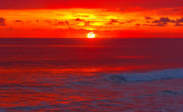 Bella alba sopra il mare calmo calmo Fotografia Stock Libera da Diritti
