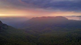 Bella alba sopra Jamison Valley l'australia Immagini Stock