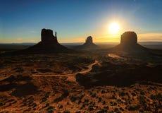 Bella alba sopra la valle iconica del monumento Fotografia Stock