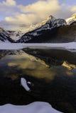 Bella alba su orario invernale a Lake Louise, Alberta, Canada Fotografie Stock