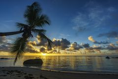 Bella alba sulla spiaggia di paradiso, Seychelles 7 Fotografia Stock Libera da Diritti