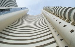 Bella alta torre moderna Fotografia Stock Libera da Diritti
