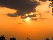 Bella arancia del cielo di tramonto thailand Immagini Stock