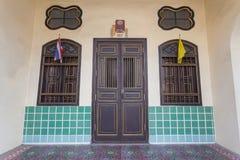 Bella architettura Cino-portoghese d'annata di vecchio rimorchio di Phuket fotografie stock libere da diritti