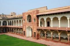Bella architettura della fortificazione di Agra, punto di riferimento famoso, eredità dell'Unesco immagini stock