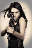 Bella arma della giovane donna fotografia stock