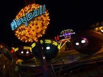 Bella atmosfera illuminata al Oktoberfest a Monaco di Baviera Immagini Stock Libere da Diritti