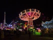 Bella atmosfera illuminata al Oktoberfest a Monaco di Baviera Fotografia Stock Libera da Diritti