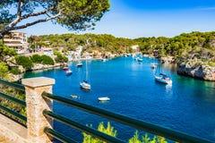 Bella baia del mar Mediterraneo di Cala Figuera Maiorca Spagna Immagini Stock Libere da Diritti