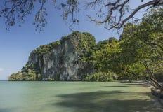 Bella baia tropicale Tailandia del sud Corsa Krabi Immagini Stock Libere da Diritti