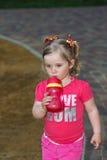 Bella bambina nel parco Immagine Stock Libera da Diritti