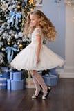 Bella bambina in un vestito stupefacente Immagine Stock