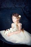 Bella bambina in vestito dalla principessa Immagini Stock