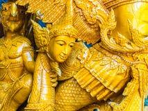 Bella candela della cera elaborata con Buddha e le immagini di angeli a Ub Immagini Stock Libere da Diritti
