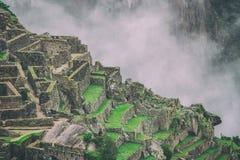 Bella carta da parati di Machu Picchu e nuvole sulle Ande Nessuna gente Fotografie Stock
