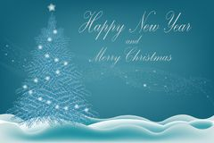 Bella carta dell'insegna con l'albero di Natale su neve bianca su un fondo blu con testo e l'iscrizione per la festa del nuovo an fotografia stock libera da diritti