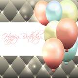 Bella carta per il compleanno con fondo e l'aerostato grigi Immagini Stock