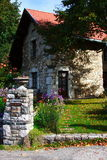 Bella casa di pietra Immagini Stock Libere da Diritti