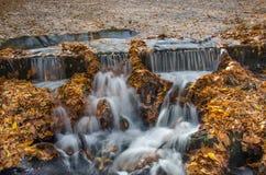 Bella cascata di autunno Fotografia Stock Libera da Diritti