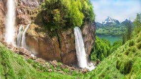 Bella cascata europea, un giorno di molla Fotografia Stock Libera da Diritti