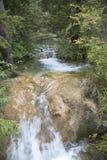 Bella cascata in montagna Fotografie Stock Libere da Diritti