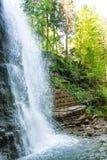 Bella cascata nella foresta Immagine Stock