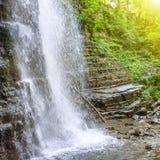 Bella cascata nella foresta Immagini Stock Libere da Diritti