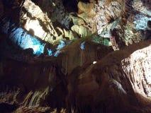 Bella caverna da scoprire Immagini Stock