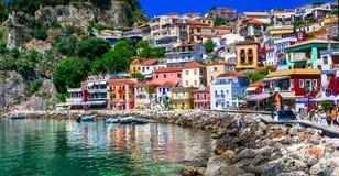 Bella città costiera variopinta Parga in Grecia, Epiro Fotografie Stock Libere da Diritti