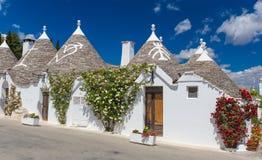 Bella città di Alberobello con le case di trulli, distretto turistic principale, regione di Puglia, Italia del sud immagine stock