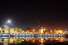 Bella città di notte Fotografie Stock