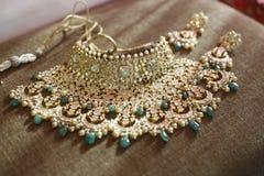 Bella collana dei gioielli indiani fotografie stock