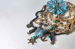 Bella collana del bijouterie dei gioielli in uno stile marino Fotografia Stock Libera da Diritti