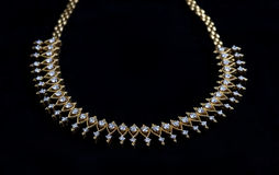 Bella collana di diamante sul nero Fotografia Stock Libera da Diritti