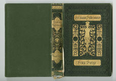 Bella copertura di un libro d'annata con la struttura floreale dell'oro un'etichetta in bianco per il vostro testo Fotografia Stock