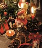 Bella corona di Natale con le candele Fotografia Stock Libera da Diritti