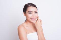 Bella cura di pelle asiatica della donna fotografia stock libera da diritti