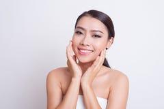 Bella cura di pelle asiatica della donna immagine stock