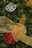 Bella decorazione sul grande albero di Natale Fotografia Stock