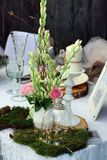 Bella disposizione della tavola di nozze Immagine Stock