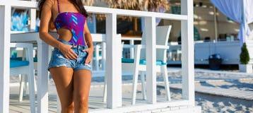 Bella donna alla spiaggia di estate Immagine Stock Libera da Diritti