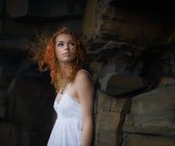 bella donna bianca del vestito Fotografia Stock