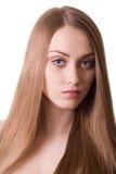 Bella donna bionda con il ritratto lungo dei capelli Immagini Stock