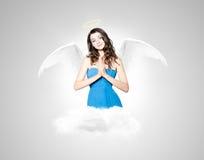 Bella donna castana come angelo Immagine Stock Libera da Diritti