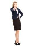 Bella donna caucasica di affari che indica su voi. Fotografia Stock Libera da Diritti